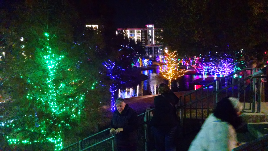 christmas lights chocolate and sips tour park citiesdowntown dallas general all ages wednesdays december 5 12 19 26 2018 630 10 pm